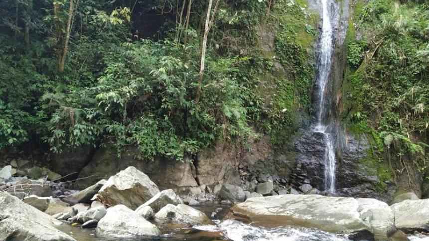 Kapala Banda Koto Hilalang Waterfall