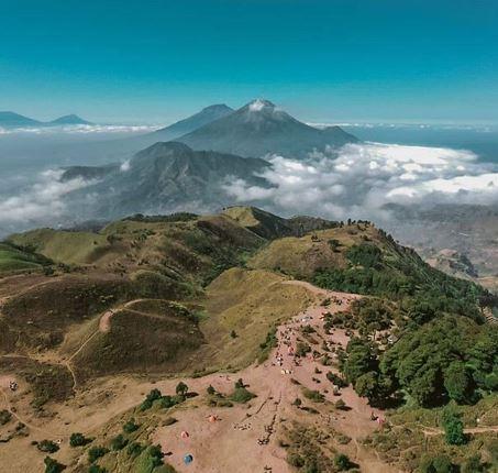 Melihat Sunrise yang Indah Dari Puncak Gunung Merbabu Via Gancik -  Destinasi Travel Indonesia